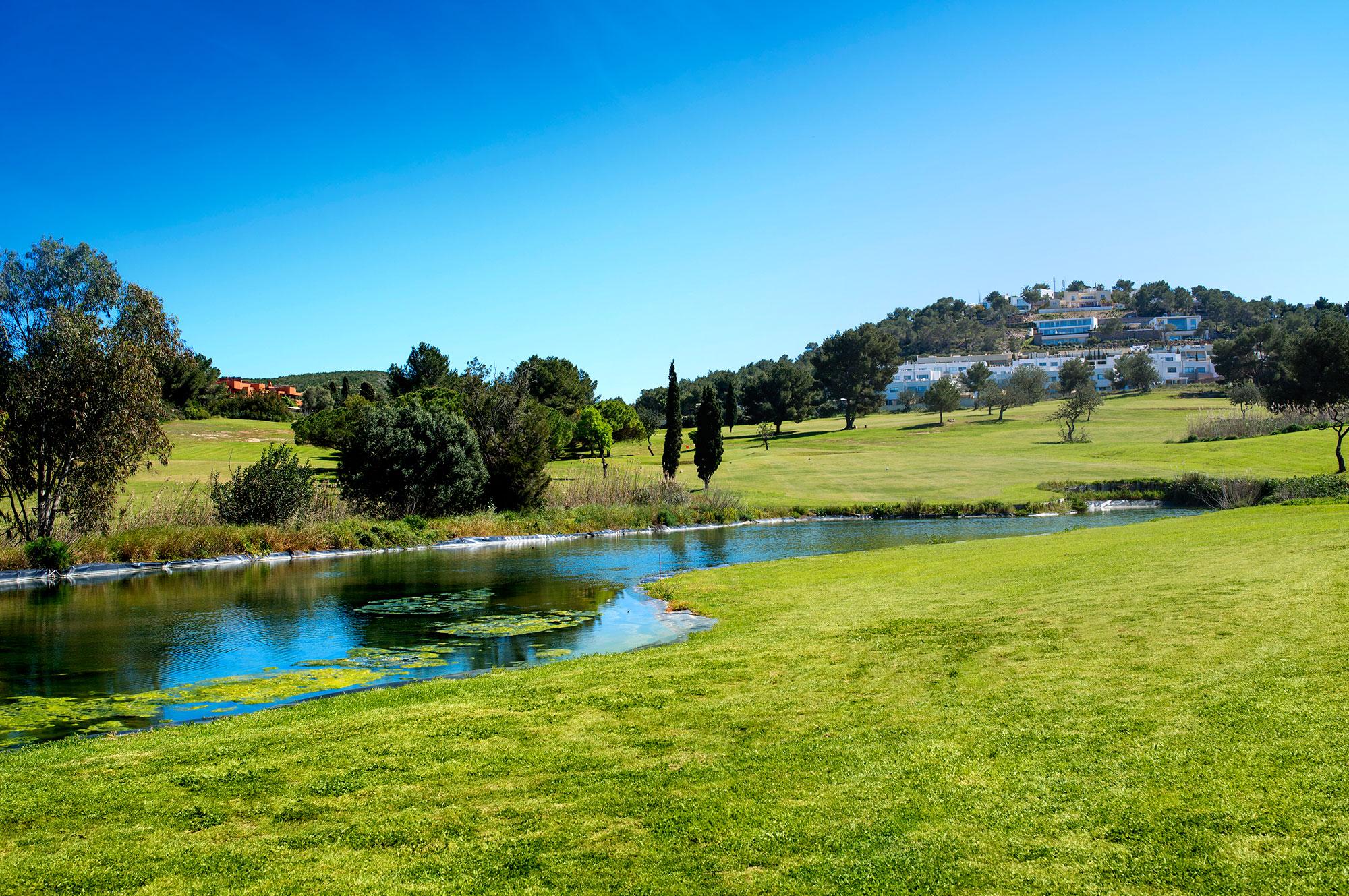Golf ibiza golf ibiza by azulinehotels golf ibiza - Roca llisa ibiza ...